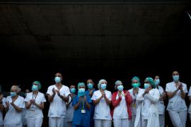 España registra la muerte de 23 médicos por COVID-19