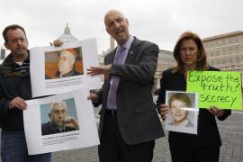 El Vaticano, acusado de encubrir a un cura que abusó de 200 niños sordos en EEUU
