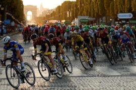 La UCI hace oficial el retraso del Tour y fija la Vuelta tras el Giro