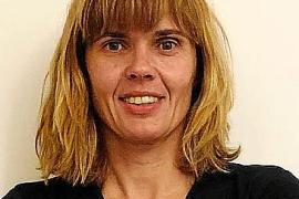 Agnès Oliver, psicóloga clínica: «Más del 30 % de las llamadas son de sanitarios infectados en casa»