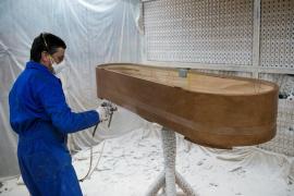 Datos de funerarias elevan a 7.097 los fallecidos en Cataluña por la COVID-19