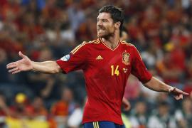 Xabi conduce a España hacia la historia