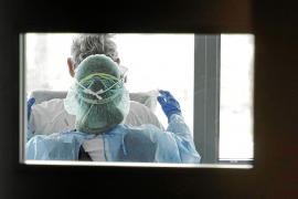 Salut toma muestras a doscientos profesionales de Son Espases para estudiar su grado de inmunización
