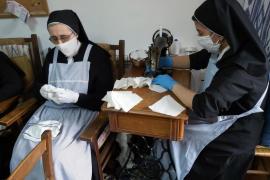 Confección de mascarillas en el convento de Santa Magdalena, en Palma