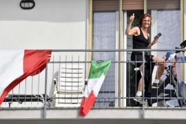 Italia registra 482 fallecidos, la cifra más baja de esta semana