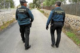Un capitán de la Guardia Civil descubrió al falso militar de Consell tras verlo de uniforme y solo