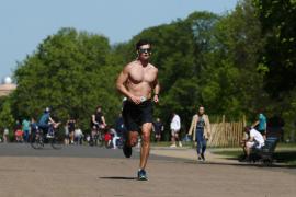 Sanidad dice que permitir hacer deporte es otra medida que está sobre la mesa