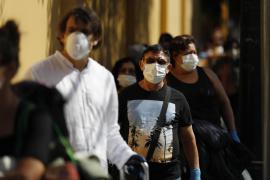 El Gobierno fijará en dos días el precio de las mascarillas, guantes y antisépticos
