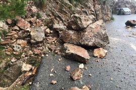Desprendimiento de rocas en Formentor tras las lluvias