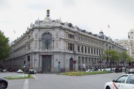 El Banco de España prevé una contracción «sin precedentes» de hasta el 13,6 %