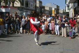 Felanitx se llena de color y tradición con las danzas de Sant Joan Pelós