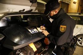 Una pareja, arrestada por apedrear una vivienda en Palma