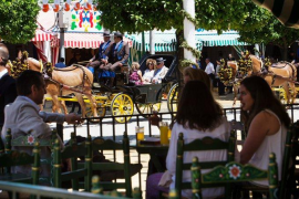 Feria de Abril de Sevilla y verbenas en Madrid, nuevas damnificadas de la COVID