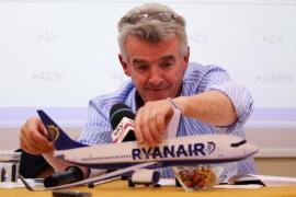 Ryanair se negará a volar con los asientos del centro vacíos