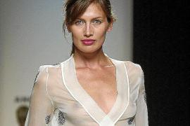 Nieves Álvarez estrena 'Solo moda'
