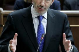 Rifirrafe en el pleno al acusar Gallardón a Rubalcaba de cambiar  ante ETA