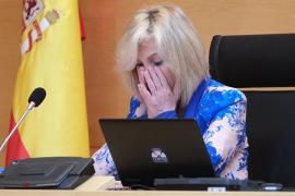 Verónica Casado rompe a llorar al recordar a los sanitarios fallecidos