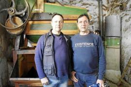 Berenguer y Bernardo Colom: «La 'trencadora' es una joya arquitectónica que se perderá»