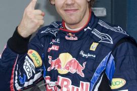 Red Bull copa la primera  línea de la parrilla por delante de Alonso