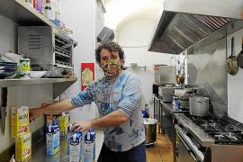Voluntarios de Es Racó de Ses Idees colaboran con el comedor social Zaqueo