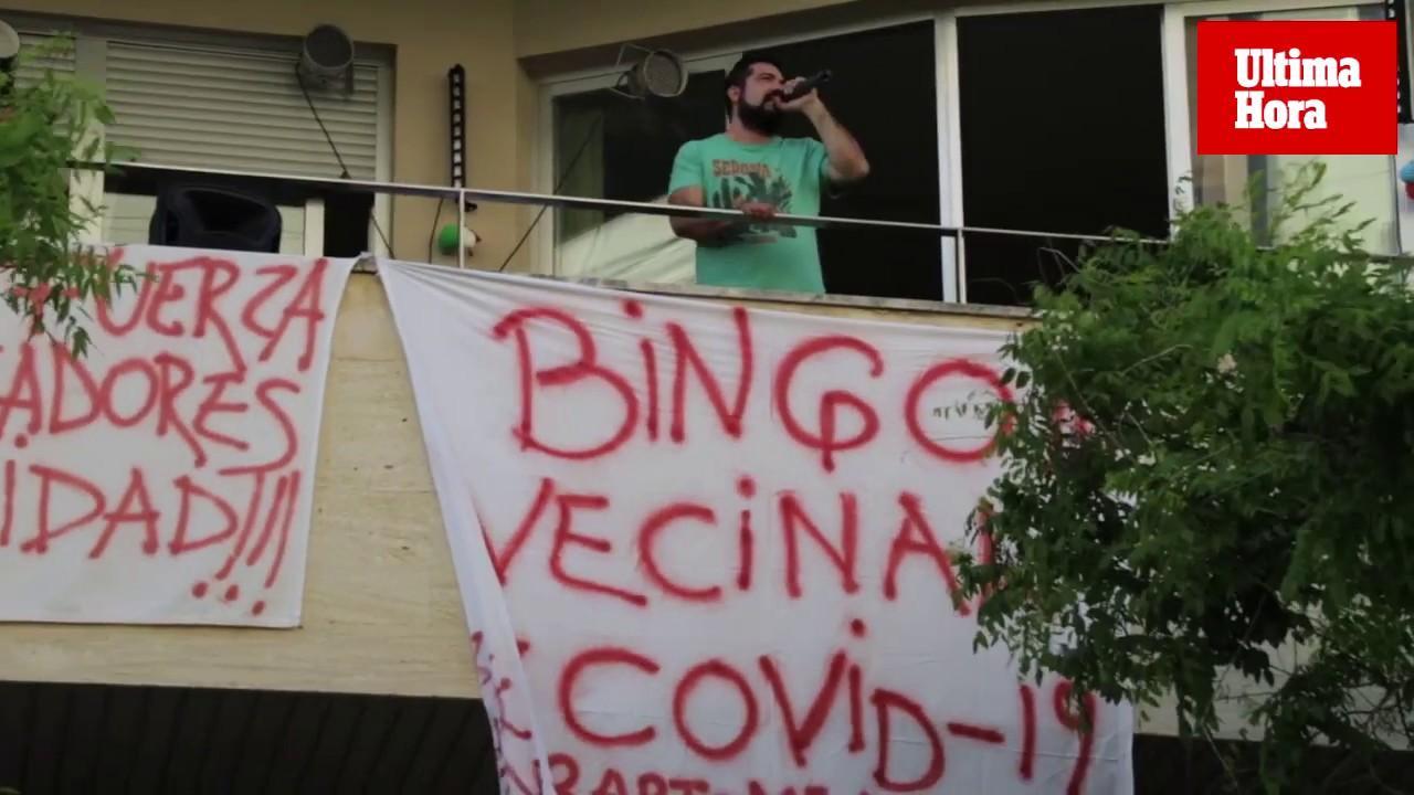 Bailes y bingo en los balcones de Palma