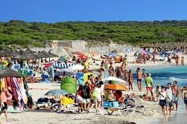 Es Trenc tendrá socorristas pero peligra la apertura de los chiringuitos de la playa