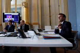 El plan de desescalada de Francia choca con la oposición del Senado