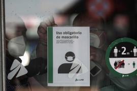 Las máquinas expendedoras con mascarillas y geles llegan a España