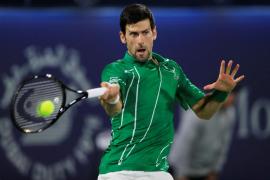 Djokovic vuelve a ejercitarse con un polémico entrenamiento en Marbella