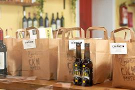 Bares y restaurantes ofrecen a domicilio kits de sus productos más destacados