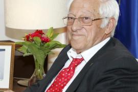 El padre Ángel felicita a Pablo Iglesias