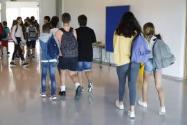 El 94 % de docentes se opone a la reapertura de colegios este curso