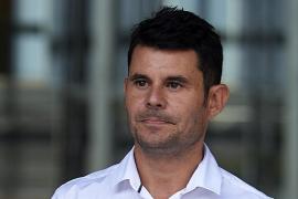 Javier Santos ya no es hijo de Julio Iglesias