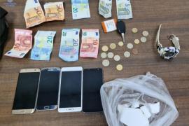 Tres arrestados en Palma por estar en posesión de drogas y lanzarlas a la vía pública
