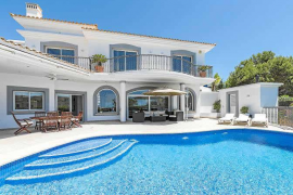 Una villa para vivir en el exterior en Santa Ponça