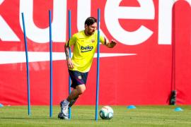 La plantilla del Barcelona vuelve a entrenarse tras 56 días de confinamiento