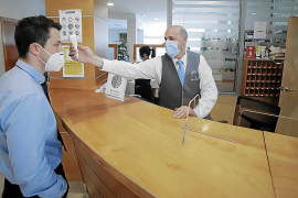 Tres hoteles de Mallorca abren con severas medidas higiénicas