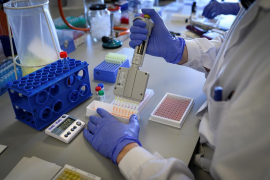 Sanidad cree que los test rápidos podrían estar dando falsos positivos