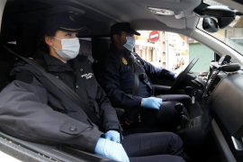 Detenida en Palma por tocar los genitales a un policía y decirle: «Qué grande la tienes»