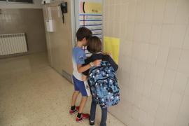 Los pediatras proponen una apertura gradual de las escuelas