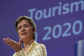 La CE expedientará a países que no permitan reembolsos turísticos en efectivo