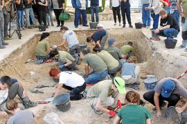 La segunda fase de exhumación de la fosa de Porreres se reemprenderá en julio