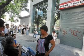 El turismo anima el mercado laboral y reduce de forma drástica el paro en junio