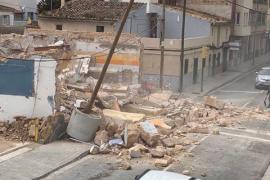 Denuncian el derrumbe «descontrolado» de un edificio en el Molinar