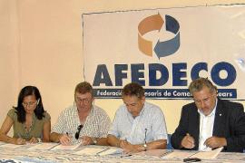 Sindicatos y patronal firman el convenio de comercio tras un año de negociaciones