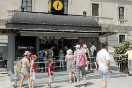 Cort adjudica las oficinas de turismo a la empresa del bus turístico