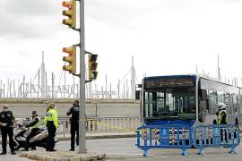 Cort protege de ataques terroristas el Marítim de Palma con buses en horas de paseo