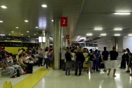 La Associació d'Usuaris del Tren recibe numerosas quejas por la avería del lunes