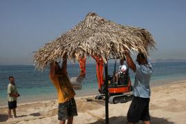 Grecia reabre sus playas y adelantará la apertura de restaurantes, cafeterías y grandes superficies