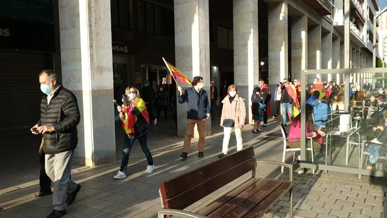 Unas 200 personas se manifiestan en Logroño contra el Gobierno
